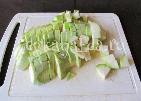 как потушить кабачки с овощами на сковороде с фото