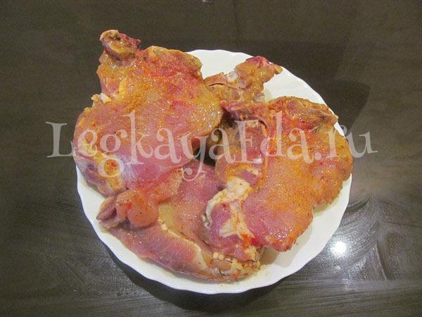как приготовить мясо по-французски из свинины с картошкой в духовке