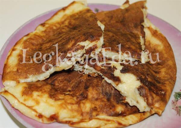 Хачапури с сыром быстрый рецепт на сковороде