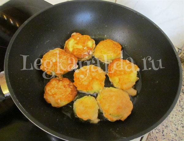 кабачки в кляре на сковороде
