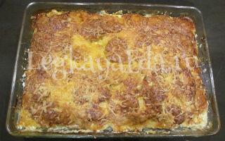 Картофель с фаршем слоями в духовке под сыром: самый простой способ