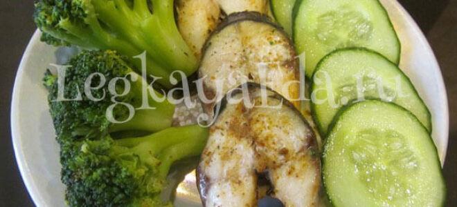 Скумбрия на пару с брокколи в пароварке — диетический рецепт