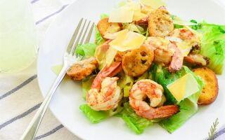 Салат «Цезарь» с креветками по классическим рецептам