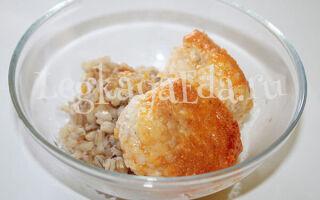 Тефтели из куриного фарша с рисом в томатном соусе