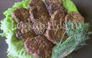 Котлеты из говяжьей печени с манкой на сковороде. Готовим мягкие и сочные печеночные котлеты