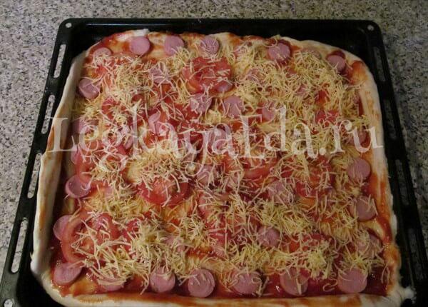 пицца в духовке простой пошаговый рецепт с колбасой и сыром
