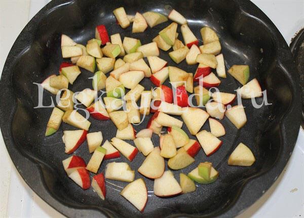как готовить шарлотку с яблоками в духовке