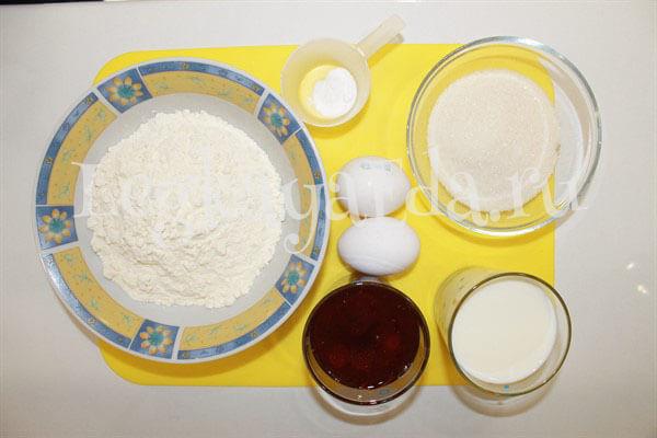 как приготовить пирог с вареньем в духовке
