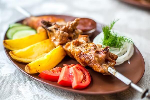 шашлык из курицы маринад самый вкусный чтобы мясо было мягким