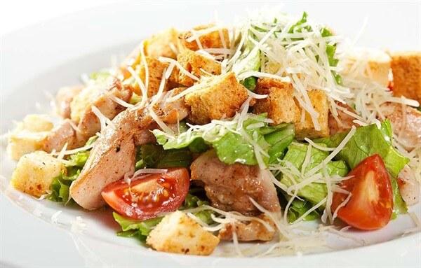 Приготовление салата цезарь поэтапно