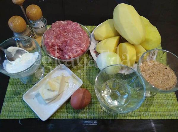 ингредиенты для картофельной запеканки с фаршем в духовке