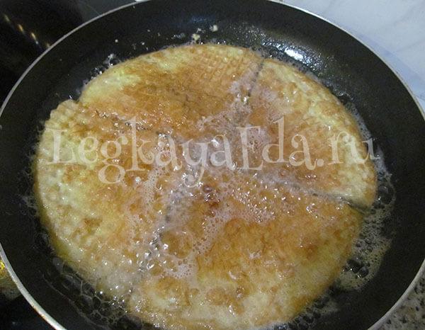 Вафли с фаршем в кляре рецепт на сковороде с 19 фотографиями