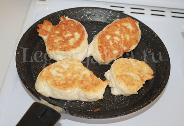 оладьи без яиц и молока на дрожжах